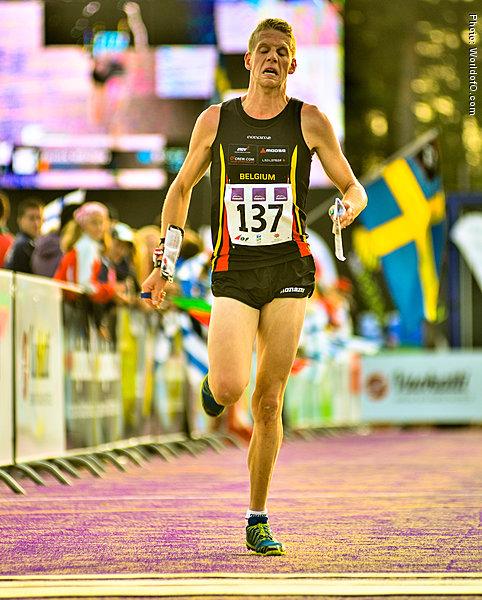 http://runners.worldofo.com/bilder/large/yannickmichiels_WOC2013SprintFinal%202.jpg